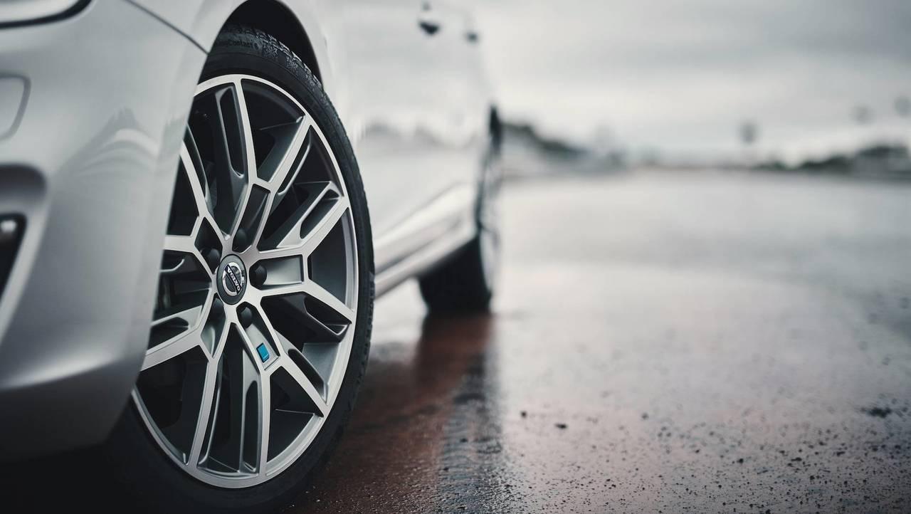Названа российская стоимость спецверсии Volvo V90 Cross Country